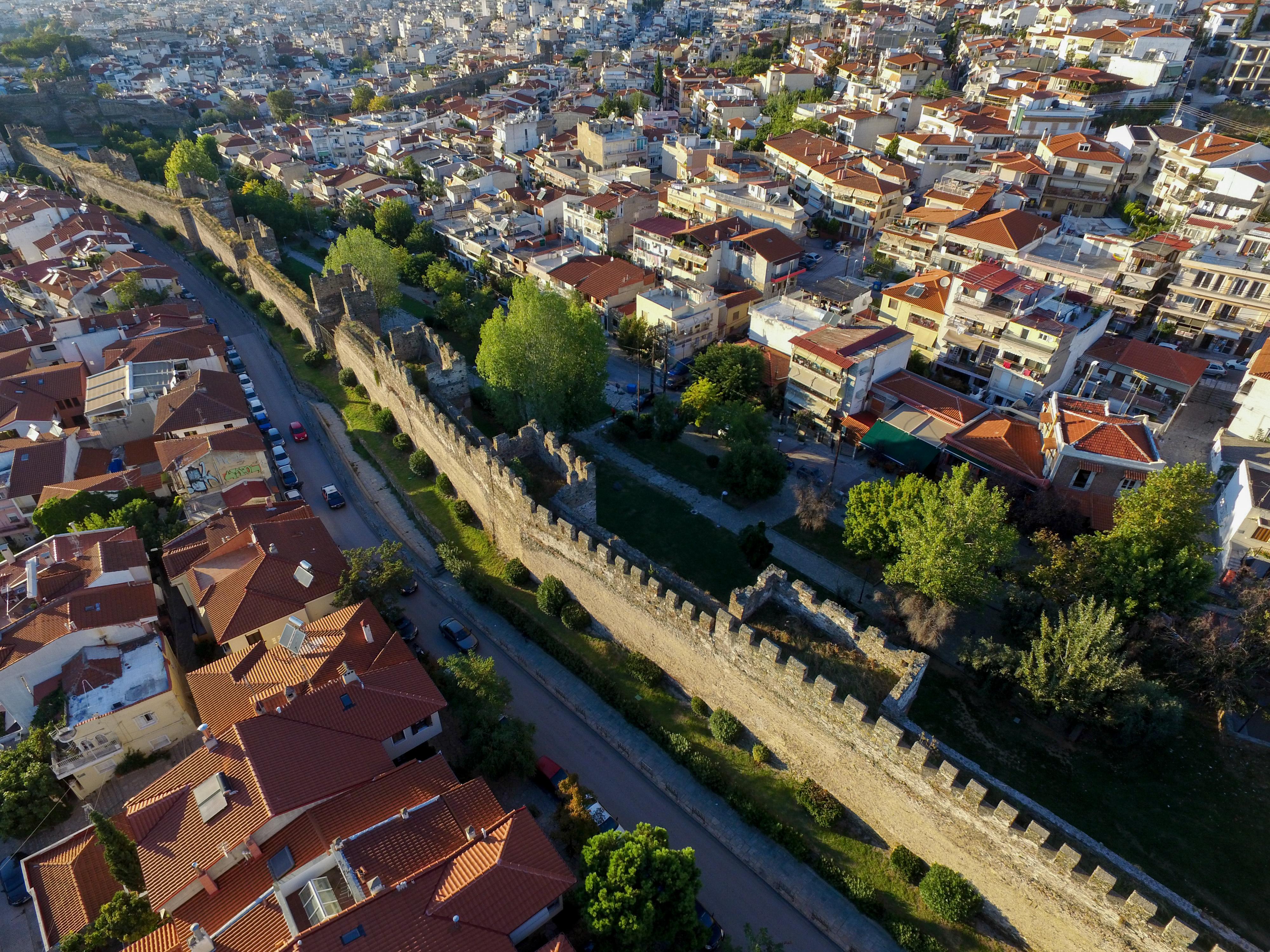 Άνω Πόλη - Τείχη